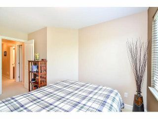 """Photo 15: 18 6238 192ND Street in Surrey: Cloverdale BC Townhouse for sale in """"BAKERVIEW TERRACE"""" (Cloverdale)  : MLS®# F1420554"""