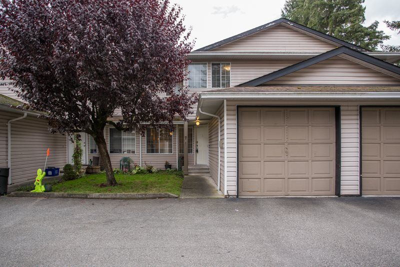 """Main Photo: 7 21541 MAYO Place in Maple Ridge: West Central Townhouse for sale in """"MAYO PLACE"""" : MLS®# R2510971"""