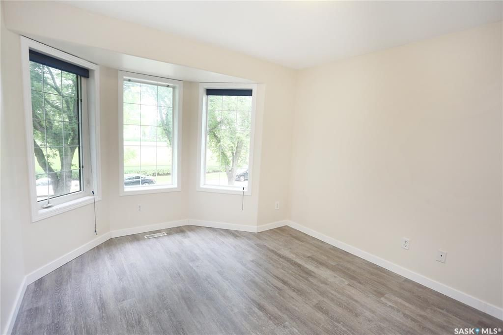 Photo 23: Photos: 131B 113th Street West in Saskatoon: Sutherland Residential for sale : MLS®# SK778904