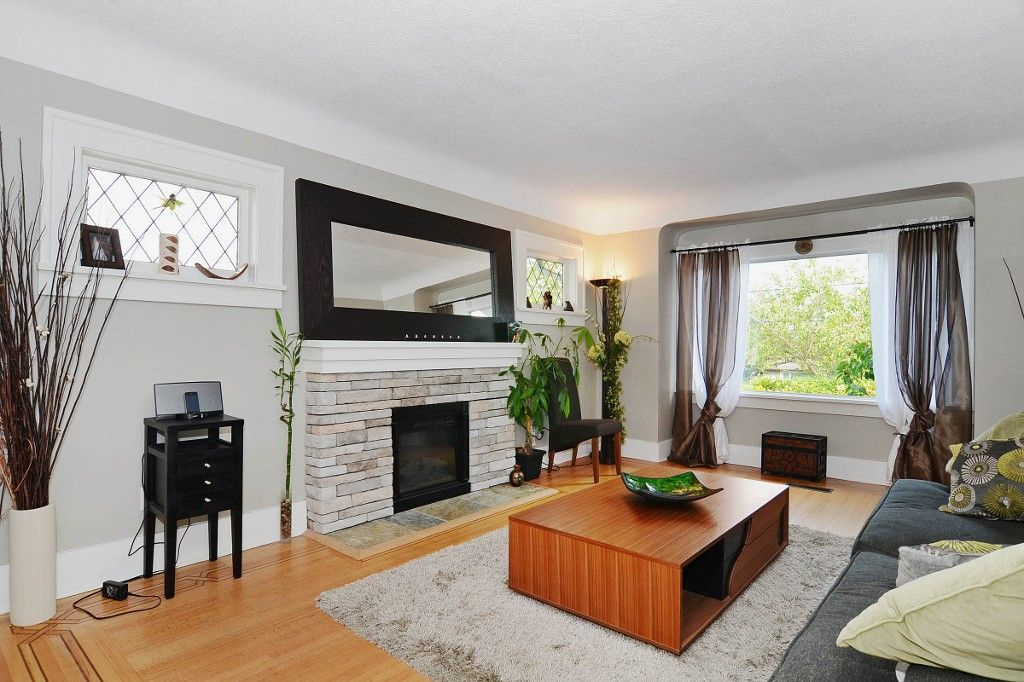 Photo 2: Photos: 3667 DUNBAR Street in Vancouver: Dunbar House for sale (Vancouver West)  : MLS®# V1080025