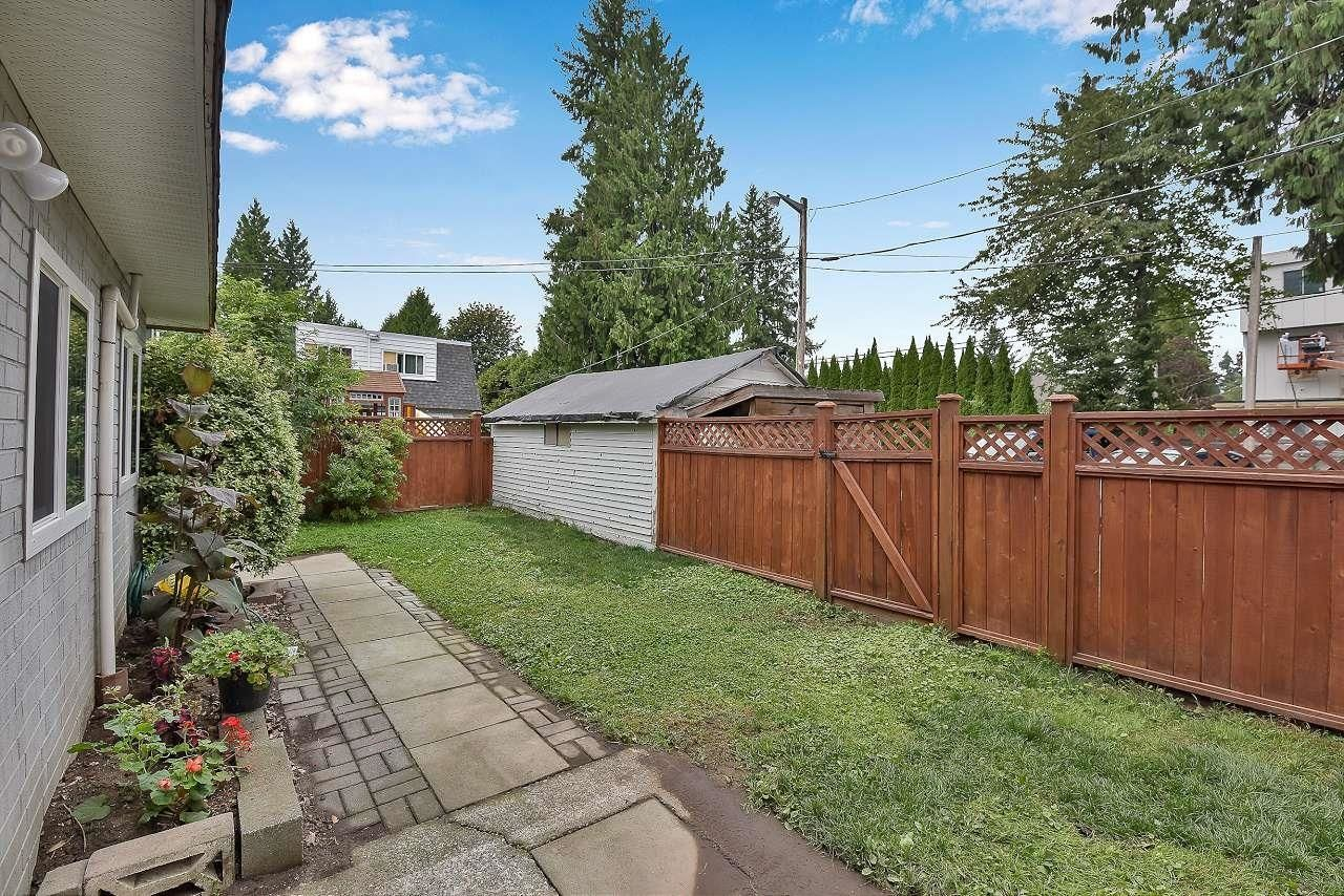 """Photo 18: Photos: 37 21555 DEWDNEY TRUNK Road in Maple Ridge: West Central Townhouse for sale in """"Richmond Court"""" : MLS®# R2611376"""
