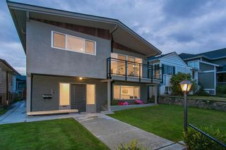 Photo 4: 683 26TH AVENUE in Vancouver West: Cambie Home for sale ()  : MLS®# R2114692