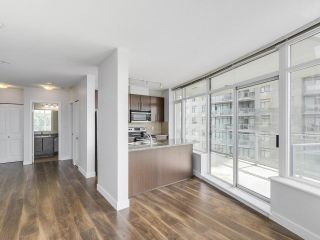 """Photo 4: 1908 892 CARNARVON Street in New Westminster: Downtown NW Condo for sale in """"AZURE 2"""" : MLS®# R2191316"""