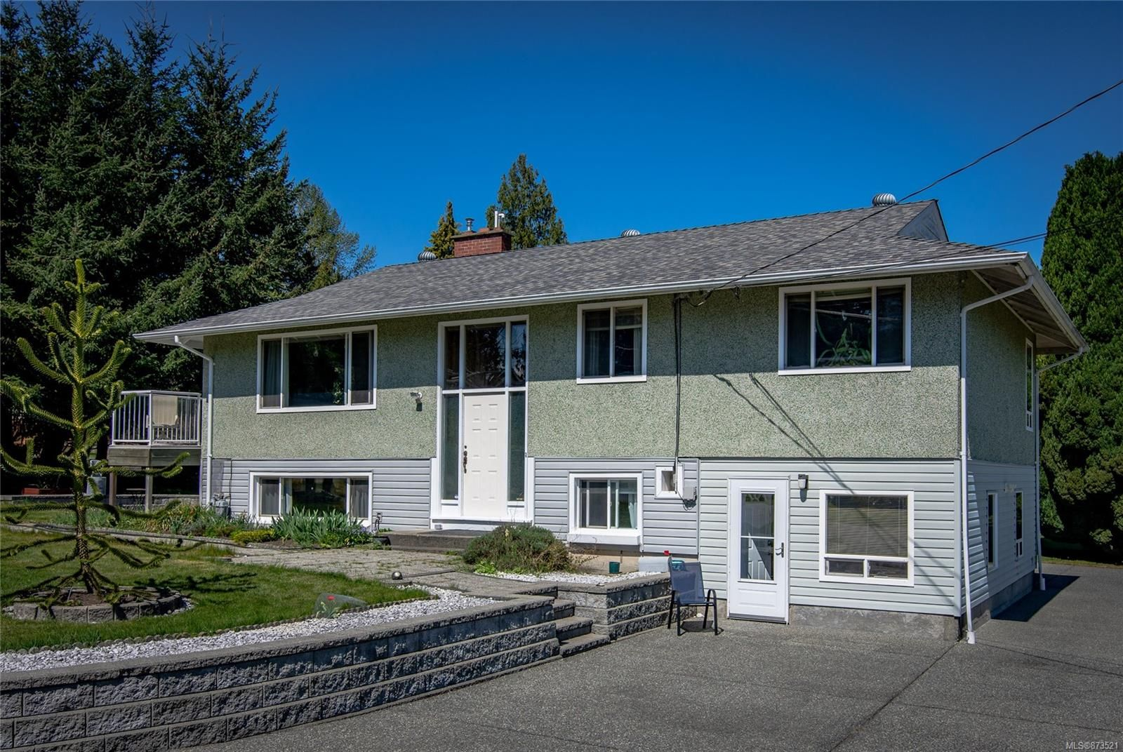 Main Photo: 1687 Centennary Dr in : Na Chase River House for sale (Nanaimo)  : MLS®# 873521