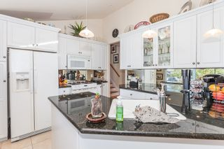 Photo 15: 15288 ROYAL Ave: White Rock Home for sale ()  : MLS®# F1442674