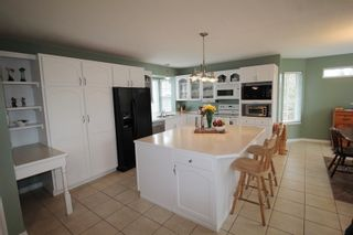 """Photo 3: 21831 44A Avenue in Langley: Murrayville House for sale in """"Murrayville"""" : MLS®# R2163598"""