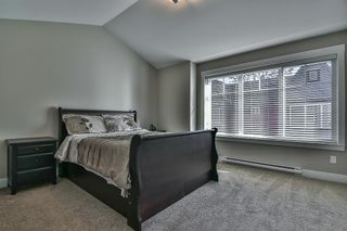 "Photo 10: 10 6929 142 Street in Surrey: East Newton Townhouse for sale in ""East Newton"" : MLS®# R2206019"