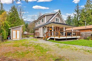 Photo 2: 43807 LOCH Road: House for sale in Mission: MLS®# R2560597