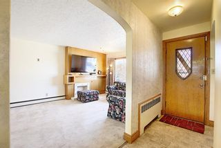 Photo 3: 711 47 Avenue SW in Calgary: Elboya Detached for sale : MLS®# A1081266
