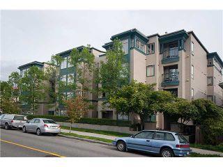 "Photo 1: 402 688 E 16TH Avenue in Vancouver: Fraser VE Condo for sale in ""VINTAGE EASTSIDE"" (Vancouver East)  : MLS®# V833214"
