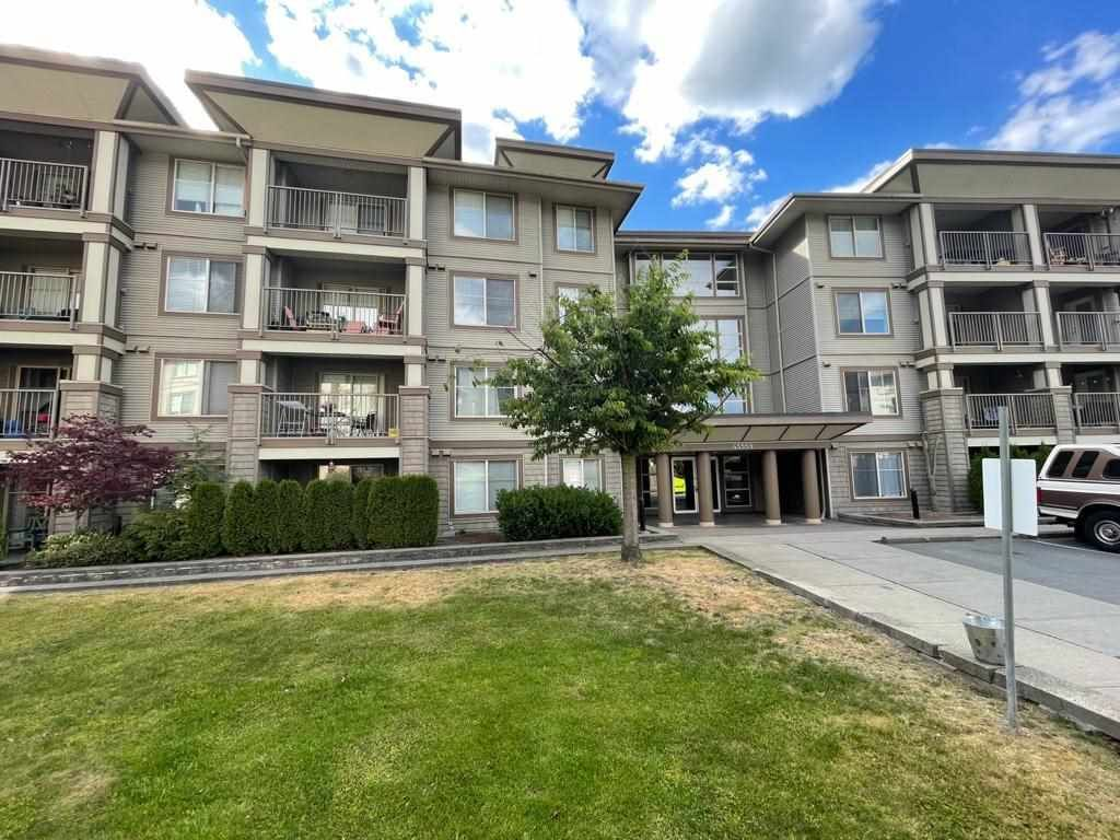 """Main Photo: 304 45559 YALE Road in Chilliwack: Chilliwack W Young-Well Condo for sale in """"The Vibe"""" : MLS®# R2591660"""