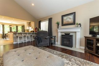Photo 12: 200 FORREST Crescent in Hope: Hope Center House for sale : MLS®# R2504097