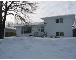 Photo 1:  in WINNIPEG: Fort Garry / Whyte Ridge / St Norbert Residential for sale (South Winnipeg)  : MLS®# 2901297