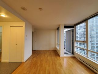 "Photo 5: 2506 939 EXPO Boulevard in Vancouver: Yaletown Condo for sale in ""Max II"" (Vancouver West)  : MLS®# R2575911"