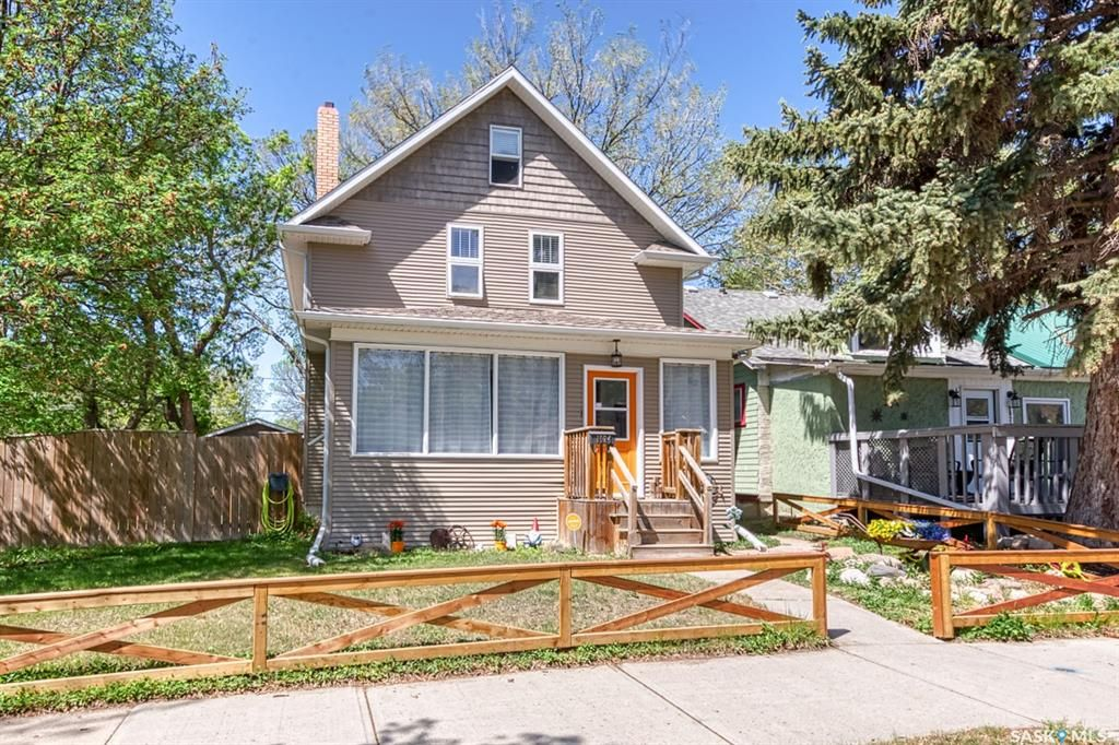 Main Photo: 1024 6th Avenue Northwest in Moose Jaw: Central MJ Residential for sale : MLS®# SK855934