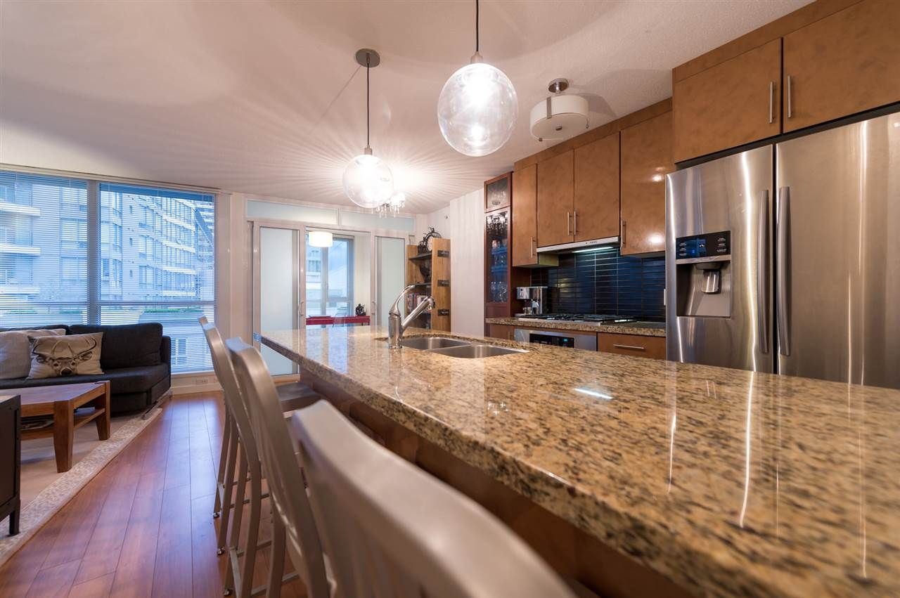 Main Photo: 505 1189 MELVILLE STREET in : Coal Harbour Condo for sale (Vancouver West)  : MLS®# R2055998