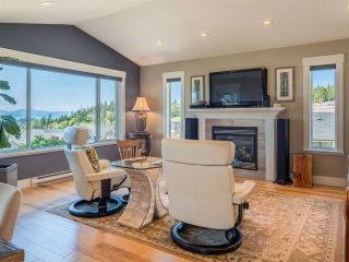 """Photo 9: 5557 PEREGRINE Crescent in Sechelt: Sechelt District House for sale in """"SilverStone Heights"""" (Sunshine Coast)  : MLS®# R2492023"""