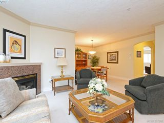 Photo 4: 2 127 Aldersmith Pl in VICTORIA: VR Glentana Row/Townhouse for sale (View Royal)  : MLS®# 779387