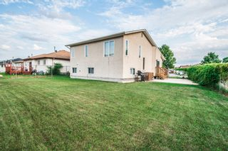 Photo 4: 102 Mount Auburn Bay in Winnipeg: Meadows West Single Family Detached for sale (4L)  : MLS®# 1718328