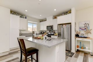Photo 5: OCEANSIDE House for sale : 4 bedrooms : 4128 Via Del Ray