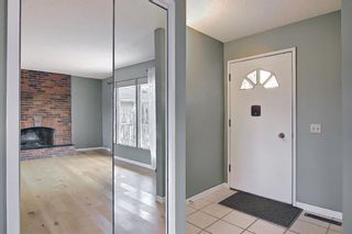 Photo 3: 227 Glamorgan Place SW in Calgary: Glamorgan Detached for sale : MLS®# A1118263