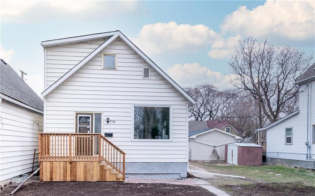 Main Photo: 774 Valour Road in Winnipeg: West End Residential for sale (5C)  : MLS®# 202109734