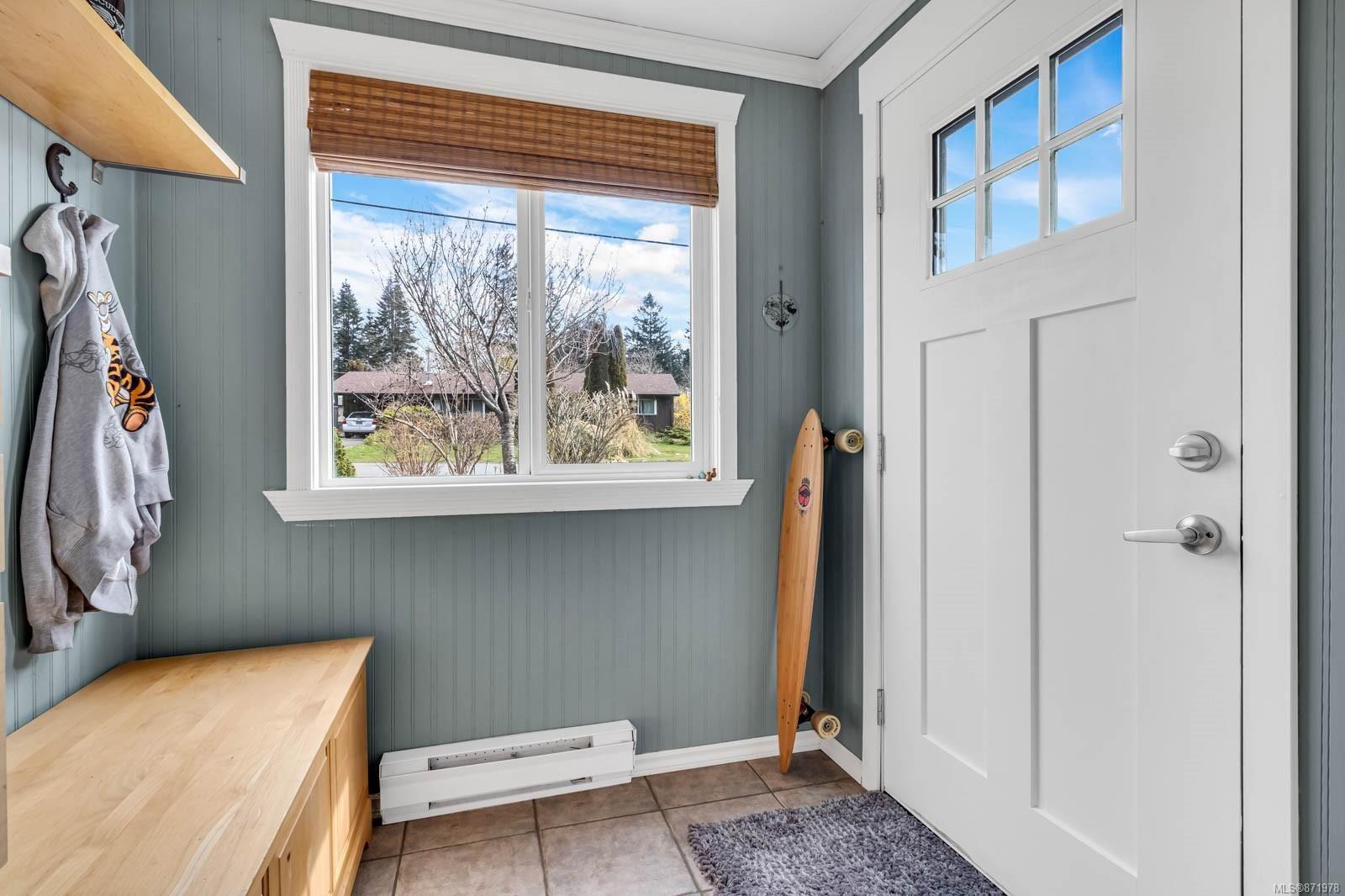 Photo 13: Photos: 1539 Chilcotin Cres in : CV Comox (Town of) House for sale (Comox Valley)  : MLS®# 871978