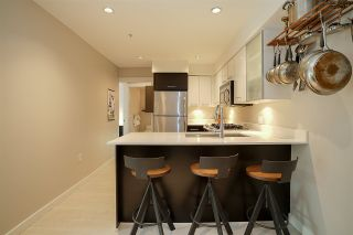 Photo 3: 405 935 W 16TH Street in North Vancouver: Hamilton Condo for sale : MLS®# R2204015