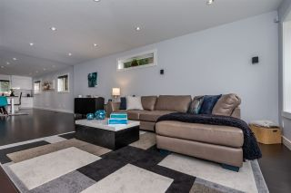 """Photo 8: 5844 ANGUS Place in Surrey: Cloverdale BC House for sale in """"Jersey Hills"""" (Cloverdale)  : MLS®# R2348924"""