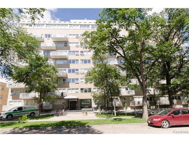 Main Photo: 805 - 71 Roslyn: Condominium for sale (1B)  : MLS®# 1522027