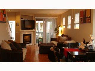 Photo 4: MISSION VALLEY Townhouse for sale : 2 bedrooms : 938 Camino De La Reina #78 in San Diego