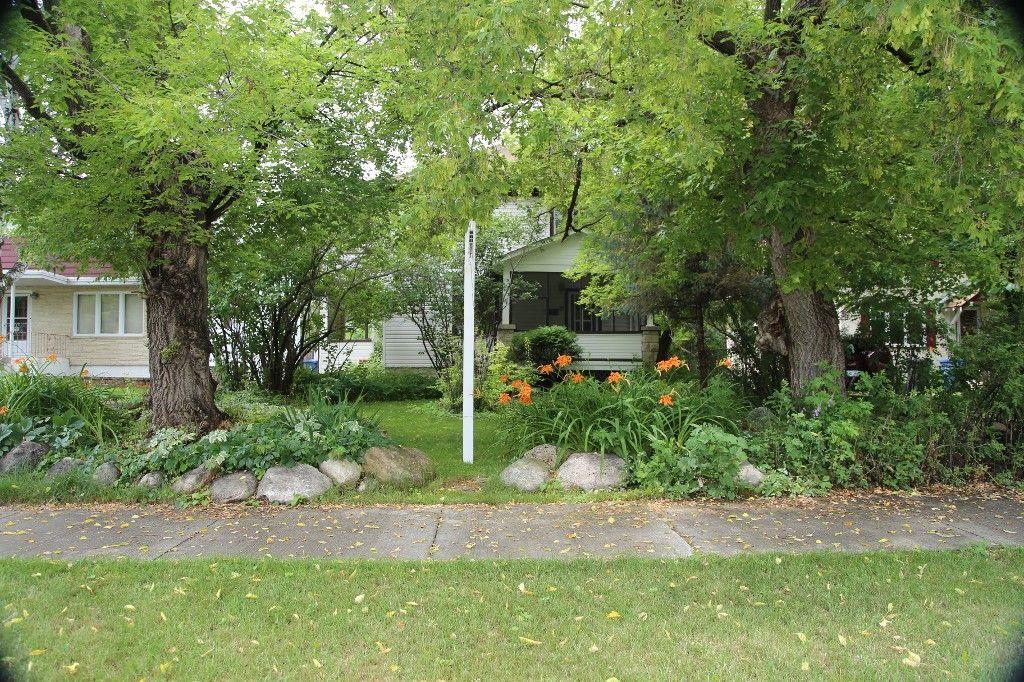 Photo 32: Photos: 154 Douglas Park Road in Winnipeg: Bruce Park/ St. James Single Family Detached for sale (West Winnipeg)  : MLS®# 1519811