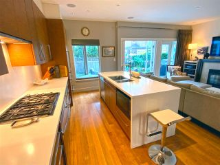 """Photo 5: 15 3750 EDGEMONT Boulevard in North Vancouver: Edgemont Townhouse for sale in """"The Manor At Edgemont"""" : MLS®# R2514295"""