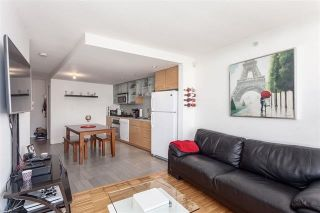"""Photo 5: 2207 33 SMITHE Street in Vancouver: Yaletown Condo for sale in """"COOPERS LOOKOUT"""" (Vancouver West)  : MLS®# R2106492"""