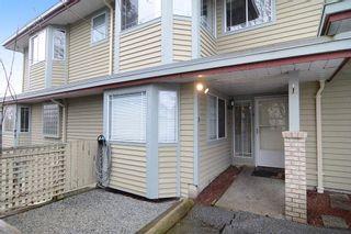 """Photo 2: 13 11502 BURNETT Street in Maple Ridge: East Central Townhouse for sale in """"TELOSKY VILLAGE"""" : MLS®# R2146423"""