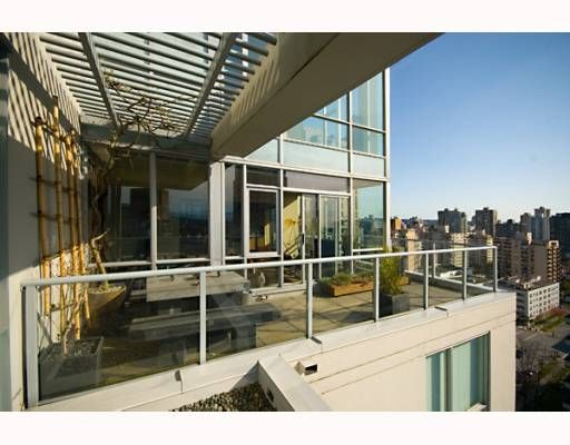 Main Photo: 2206 1420 W GEORGIA Street in Vancouver: West End VW Condo for sale (Vancouver West)  : MLS®# V755389