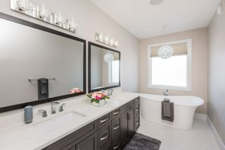 Photo 26: 921 WOOD Place in Edmonton: Zone 56 House for sale : MLS®# E4227555