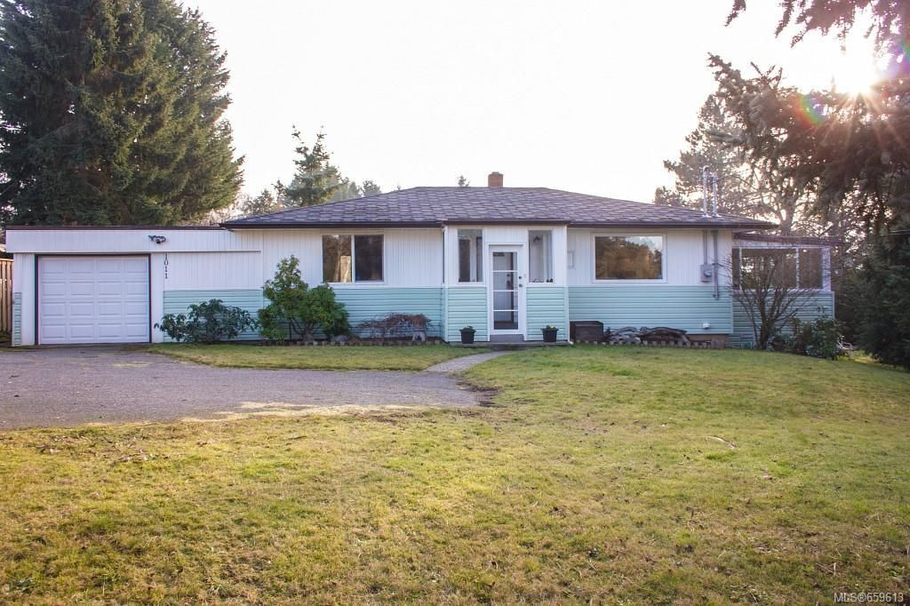 Main Photo: CENTRAL SAANICH HOME FOR SALE = BRENTWOOD BAY HOME For Sale SOLD With Ann Watley