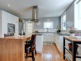 Photo 10: 147 Cambridge St in : Vi Fairfield West House for sale (Victoria)  : MLS®# 885266
