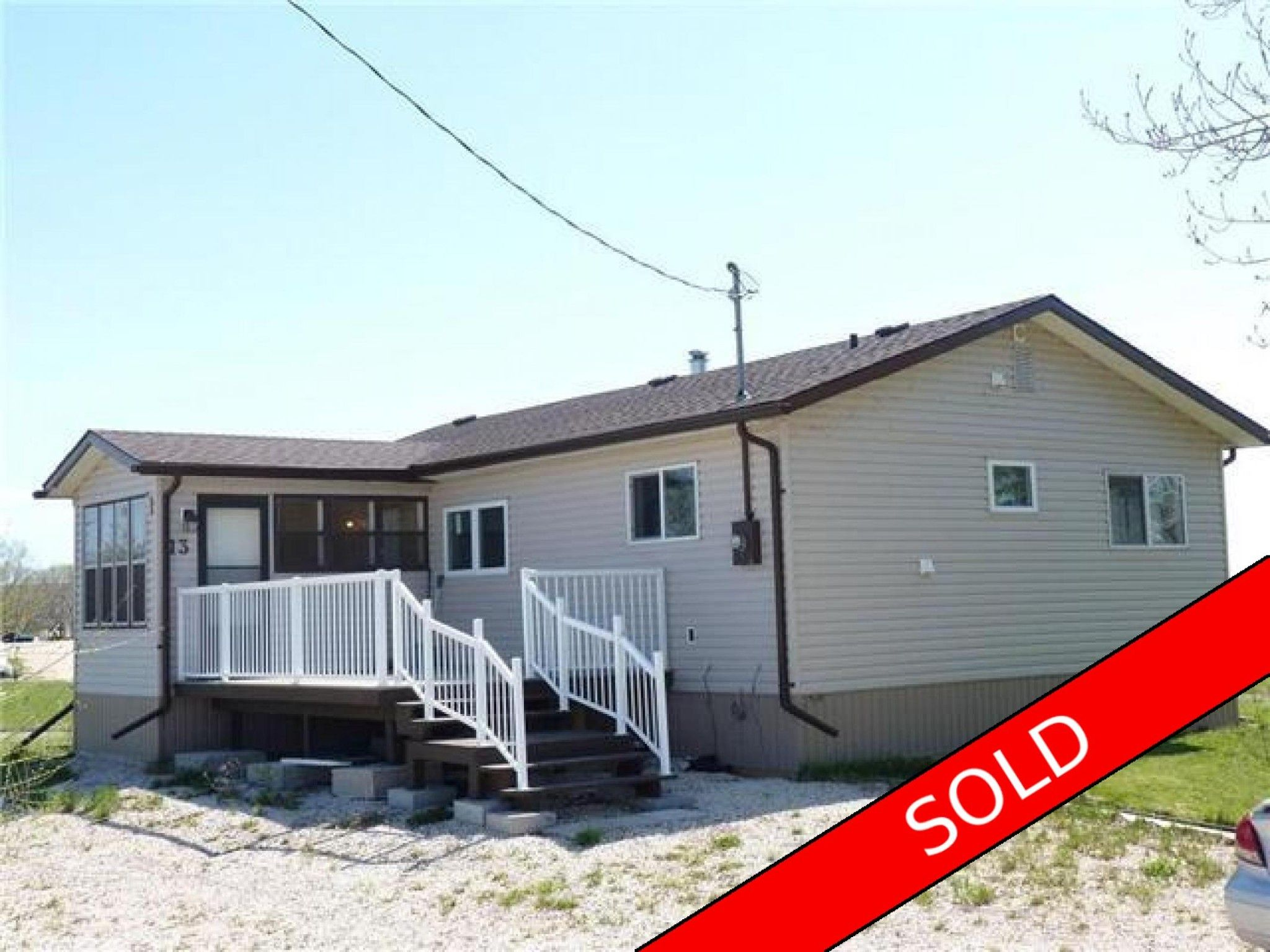 Main Photo: 13 Marina Row in St Laurent, MB R0C2S0: House for sale : MLS®# 1700920