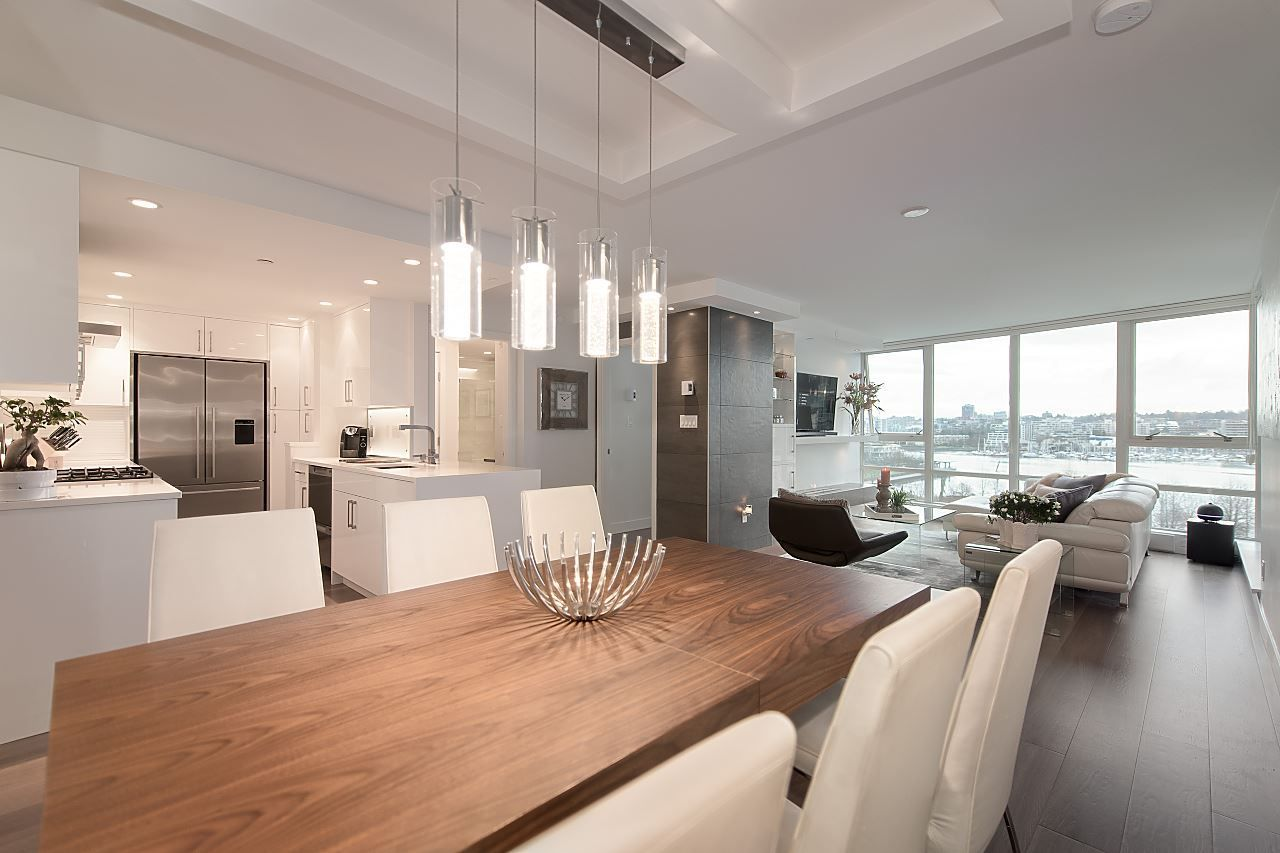 """Main Photo: 701 1408 STRATHMORE Mews in Vancouver: Yaletown Condo for sale in """"WEST ONE"""" (Vancouver West)  : MLS®# R2566337"""