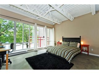 """Photo 5: 331 350 E 2ND Avenue in Vancouver: Mount Pleasant VE Condo for sale in """"MAIN SPACE'"""" (Vancouver East)  : MLS®# V898024"""