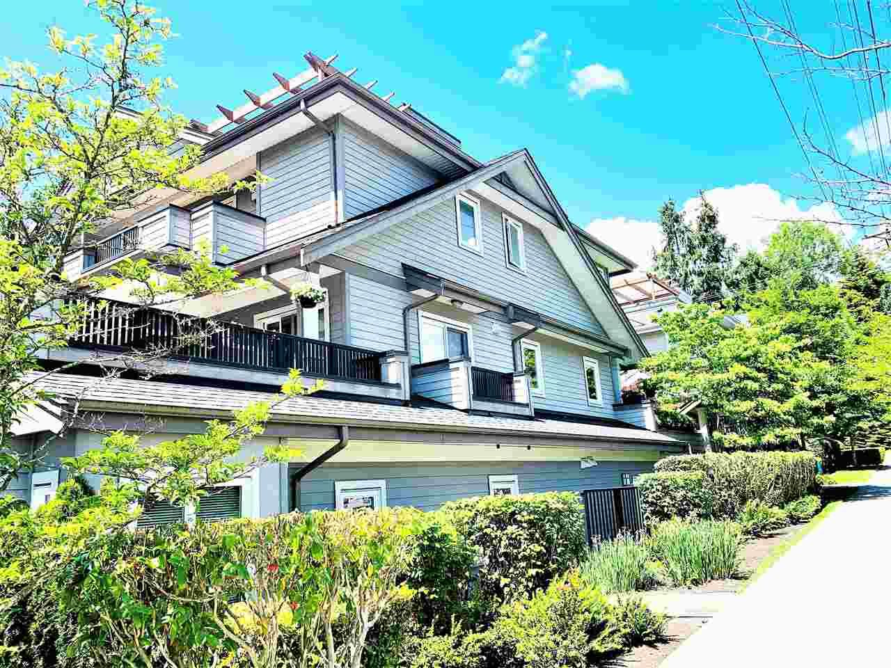 """Main Photo: 1119 ST. ANDREWS Avenue in North Vancouver: Central Lonsdale Townhouse for sale in """"St.Andres Gardens"""" : MLS®# R2591392"""