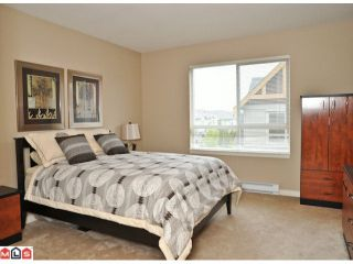 """Photo 6: 50 16789 60TH Avenue in Surrey: Cloverdale BC Townhouse for sale in """"Laredo"""" (Cloverdale)  : MLS®# F1014213"""