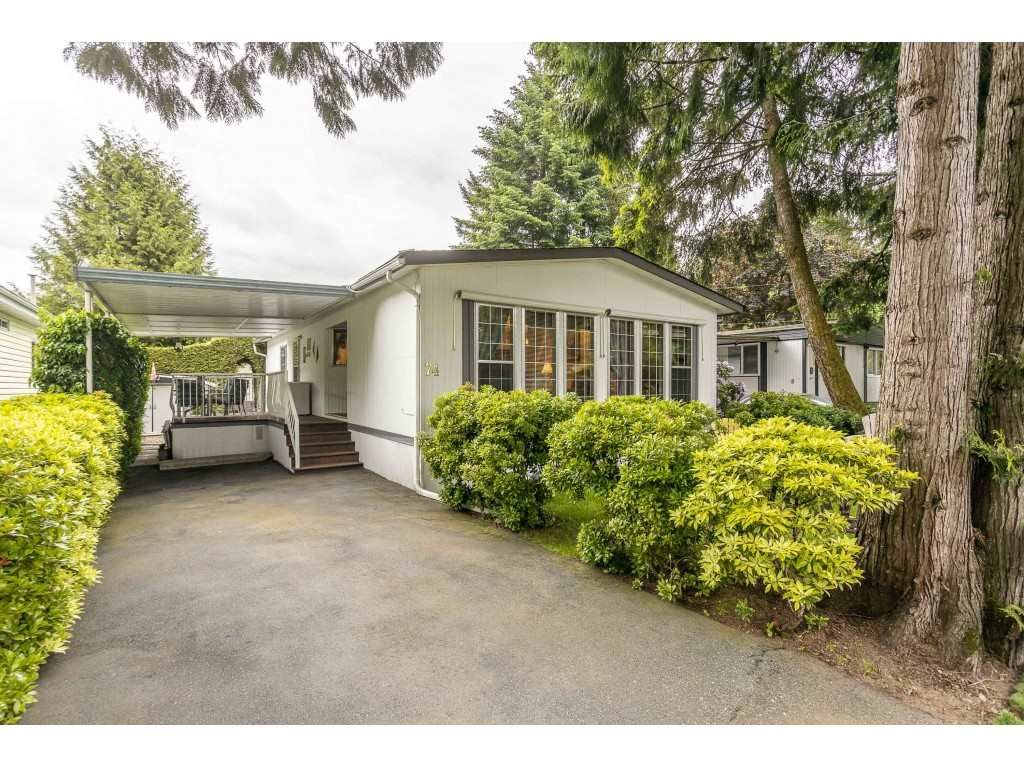"""Main Photo: 74 9080 198 Street in Langley: Walnut Grove Manufactured Home for sale in """"Forest Green Estates"""" : MLS®# R2457126"""