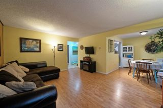 "Photo 1: 859 WESTVIEW Crescent in North Vancouver: Upper Lonsdale Condo for sale in ""Cypress Gardens"" : MLS®# R2255255"