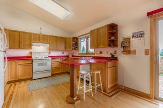 "Photo 4: 5113 CHAPMAN Road in Sechelt: Sechelt District House for sale in ""Davis Bay"" (Sunshine Coast)  : MLS®# R2228930"
