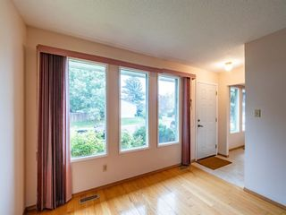 Photo 3: 547 Sabrina Road SW in Calgary: Southwood Detached for sale : MLS®# A1146796