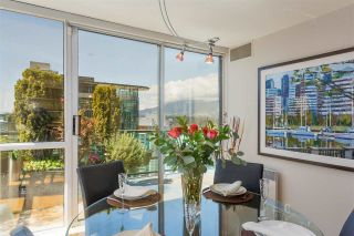 """Photo 9: PH3 555 JERVIS Street in Vancouver: Coal Harbour Condo for sale in """"HARBOURSIDE PARK II"""" (Vancouver West)  : MLS®# R2578170"""