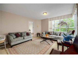 "Photo 8: 202 717 JERVIS Street in Vancouver: West End VW Condo for sale in ""EMERALD WEST"" (Vancouver West)  : MLS®# R2541468"